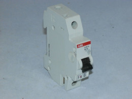 Автоматичний вимикач, ABB, S241A B10. Вживаний