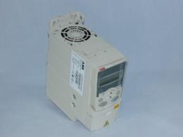 Частотний перетворювач ABB, 2.2 кВт, 3-фазний, ACS350-03E-05A6-4. Вживаний