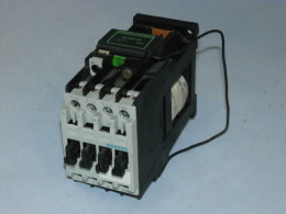 Контактор SIEMENS, 4кВт, 3TF3001-0B. Вживаний
