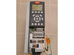 DANFOSS FC-102P2K2T4E20H1XGCXXXSXXXXAXBXCXXXXDX. Частотний перетворювач на 2,2кВт 400В. Вживаний
