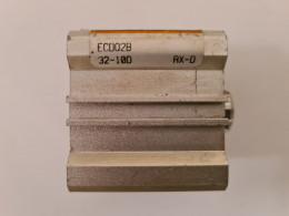 SMC EC0028 32-10D AXD. Пневмоциліндр. Вживаний